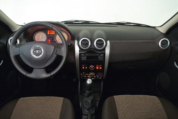 Lada Largus в версии «Люкс»
