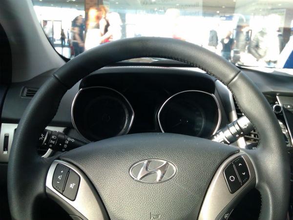 Hyundai i30 - вид приборной панели