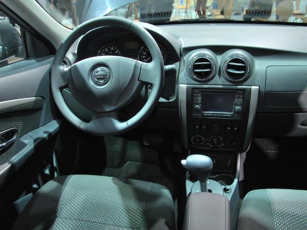 Кабина нового Nissan Almera