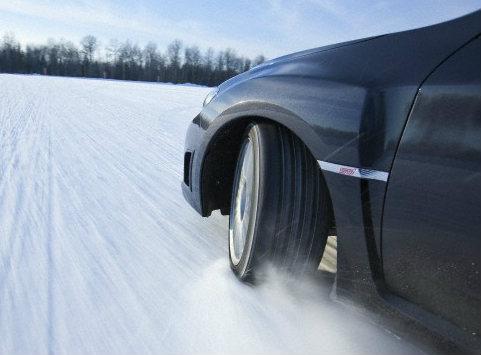 шипованных колес в автомобиле может быть только четыре!