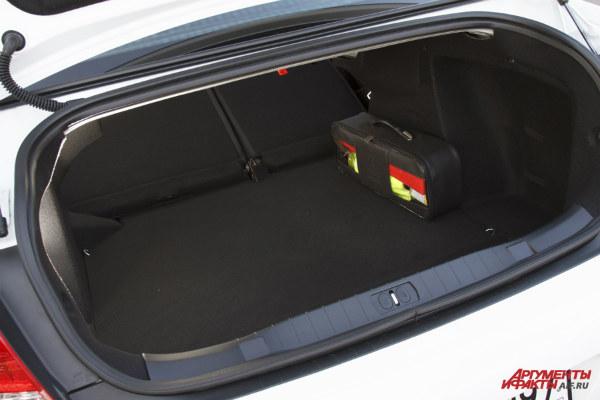 Багажник автомобиля Пежо 408