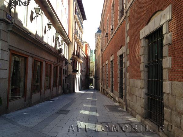 Мадридские улицы принадлежат к разным историческим эпохам.