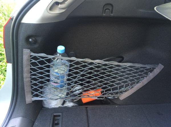 Вот так выглядит сетка в боковых нишах багажника Cruze универсал