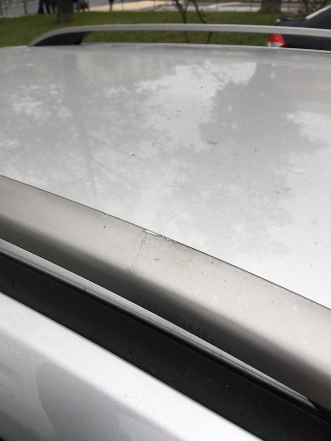 Багажник Lux поцарапал рейлинги на крыше