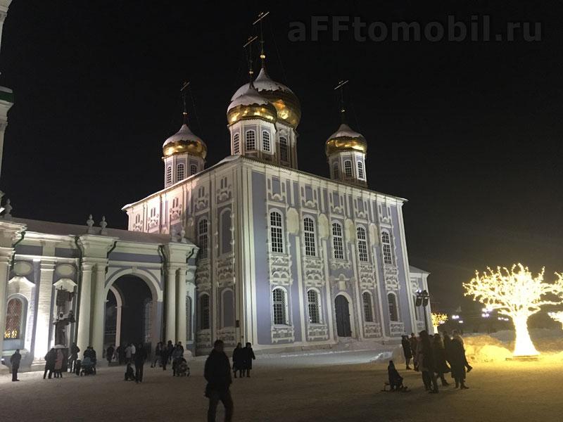 Внутри тульского кремля